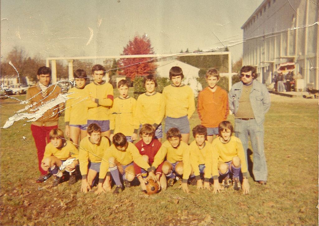 http://bleuetspau.free.fr/photos/histoire/1977_minimesA_255.jpg